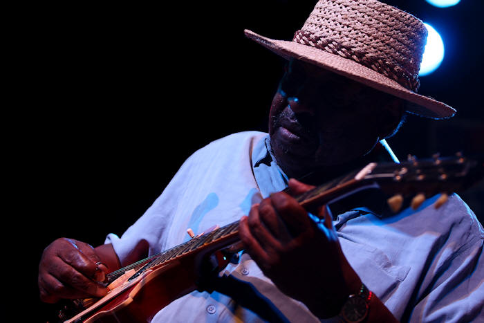 Magic Slim © Copyright 2010 Alan White. All Rights Reserved.