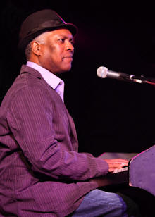 Booker T © Copyright 2010 Alan White. All Rights Reserved.