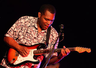 Robert Cray © Copyright 2010 Alan White. All Rights Reserved.
