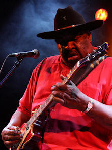 Magic Slim © Copyright 2009 Alan White. All Rights Reserved.